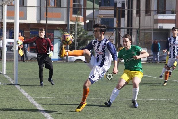 Öz Alibeyköyspor U19'dan farklı galibiyet