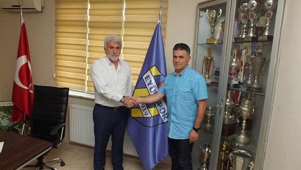 Ferruh Özgün Eyüpspor'a imza attı