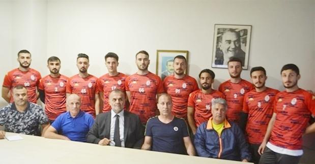 Gülsuyuspor'da imzalar atıldı