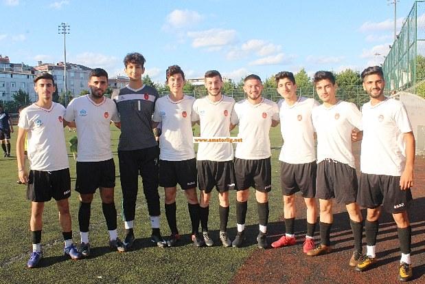 Gazi Mahallesispor'da 8 futbolcu A takıma yükseldi