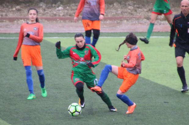 Silivri Alibeysporlu kızlar 8'de 8 yaptı